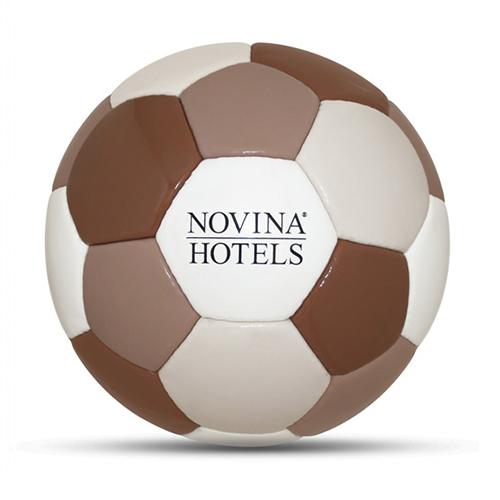 Werbeball Novina Hotels Firmenfußball mit Logo