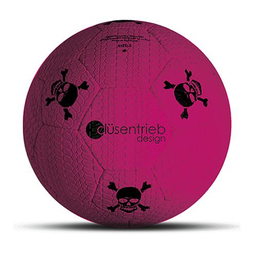 Designball Reifenprofil neon pink mit schwarzen Totenköpfen aus Gummi
