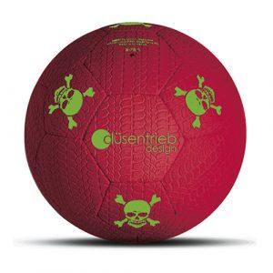 Designball Reifenprofil rot mit grünen Totenköpfen aus Gummi