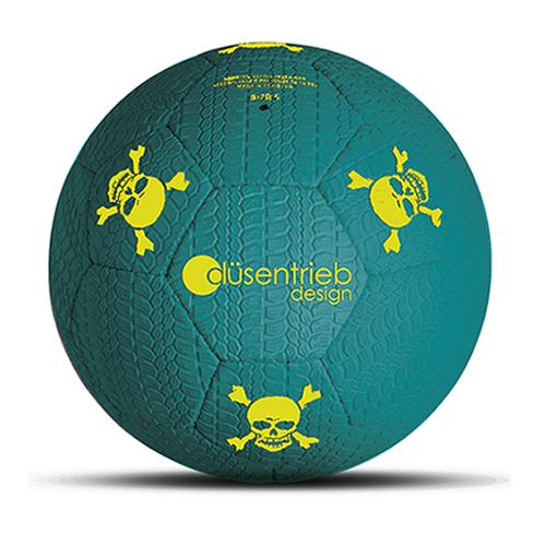 Designball Reifenprofil aus Gummi türkis mit gelben Totenköpfen aus Gummi