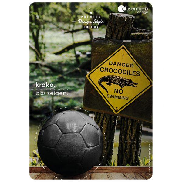 Plakat Kroko Biss zeigen Designball Kunstleder in Krokodil Gefahr Zone